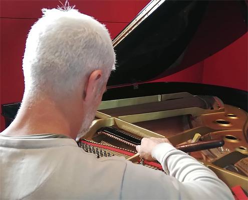 Accordatore Pianoforti Giuseppe Floccari